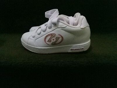 ad121363210d Great condition girls Heelys shoes - size UK 4 (VERY CLEAN )