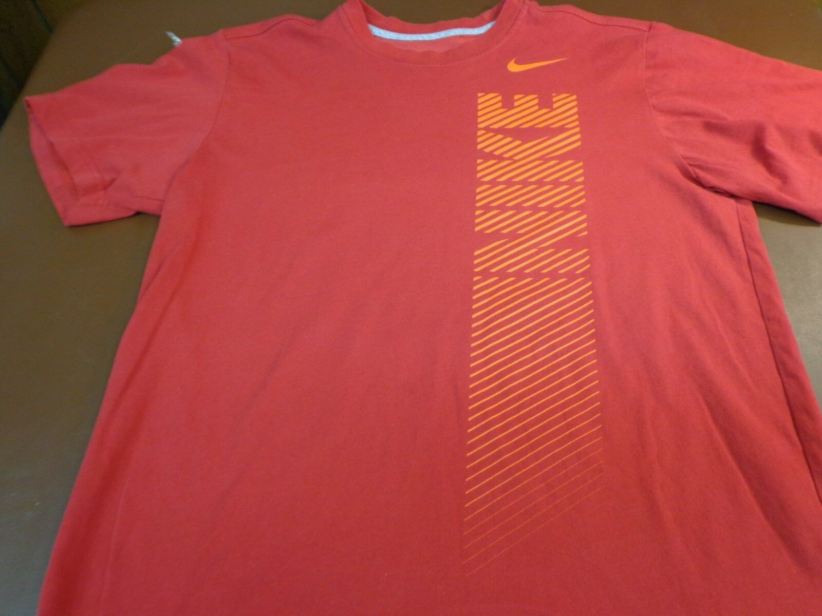 8644c1b323be ... Men s Red Nike Dri Fit T-Shirt Size Large Tee o8 Men s Red Nike Dri Fit  T-Shirt Size Large Tee o8 Men s Red Nike Dri Fit T-Shirt Size Large Tee o8