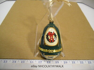 Valerie Parr Hill Musical Handcrafted Ceramic Green Egg Ornament - EUC