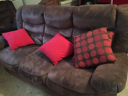 5 Seater Brown Suede Lounge Set St Marys Penrith Area Preview