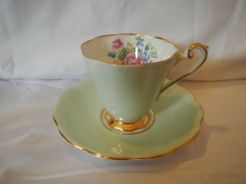 VINTAGE TEA CUP AND SAUCER CRAFTON ENGLAND FINE BONE CHINE