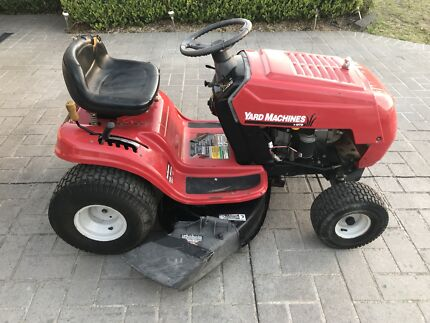 """RIDE ON LAWN MOWER MTD YARD 6SPEED 13.5HP 38"""" DELIVERY* SERVICED 2013"""