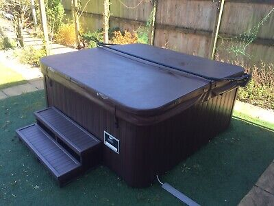 ORIGINAL JACUZZI 280 HOT TUB GOOD CONDITION 6/7 PERSON RRP £8500 COLLECT GLOSSOP