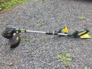 Electric yard trimmer