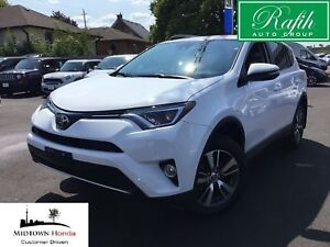 2017 Toyota RAV4 FWD XLE-Leather-Super clean