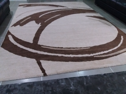 Rug 240cm x 330cm  for Sale (Used)