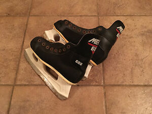 Youth Size 3 Skates