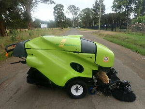 TENNANT GREEN MACHINE 414S2D DIESEL SWEEPER MACDONALD JOHNSTON Austral Liverpool Area Preview
