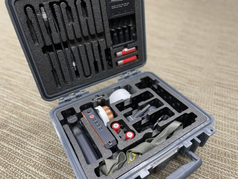 Tilta Nucleus - M Wireless Lens Control System - One Motor One handle and FIZ