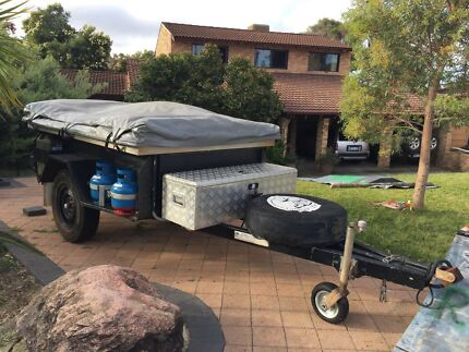Cavalier camper trailer with battery and solar