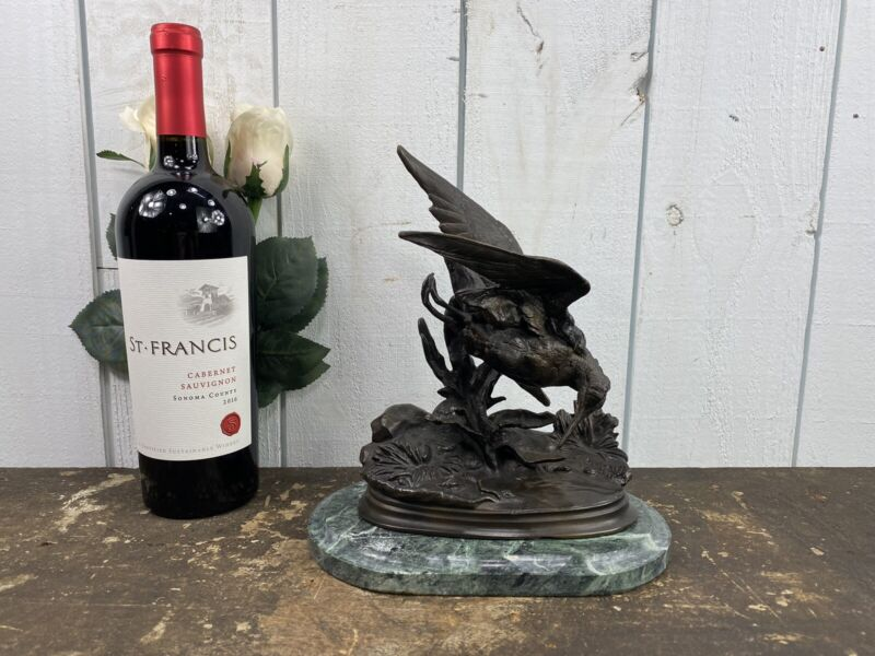 Bronze Sculpture Of A Sandpiper Signed J.Molgniez Mounted On Marble Base