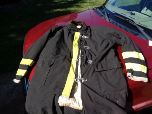 FIREFIGHTER GLOBE TURNOUT COAT VERY CLEAN CONDITION