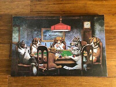 (Dog Playing Poker Statue)