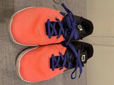 womens nike shoes size 9 GUC neon pink/black with purple shoestrings