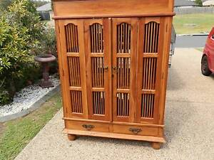 Balinese style mahogany tv/entertainment unit $145 - can deliver Brisbane City Brisbane North West Preview