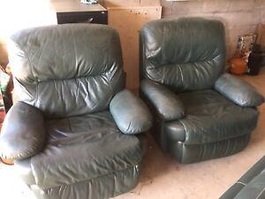 Pegar Leather lounge suite