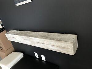 Tablette en bois de grange