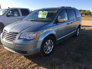 2008 Chrysler town n country touring