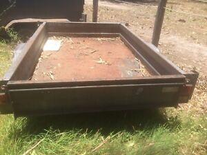 8x5 Trailer rusty vin plate $160