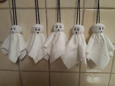 NEU 5 Gespenster mit Bändchen Halloween Herbst Handarbeit Dekoration