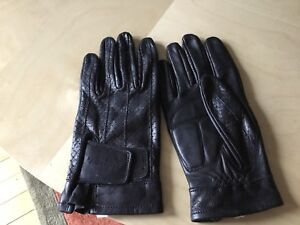 Ladies leather riding gloves