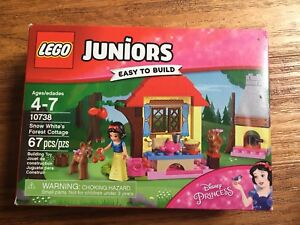 Lego juniors 10738 Snow White ´s forest cottage