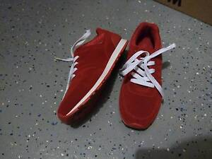 Red casual sneakers size8 Narre Warren Casey Area Preview