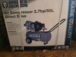 Spear & Jackson air compressor, 2.7hp/50L Direct Drive. 240v
