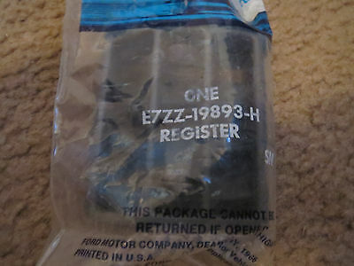 NOS 1987 - 1993 FORD MUSTANG HEATER A/C REGISTER VENT E7ZZ-19893-H NEW SMOKE COL
