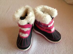 Girls toddler boots size 5