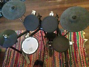 Roland TD4 electric drum kit Cooroibah Noosa Area Preview