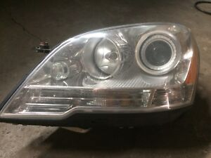 Mercedes ml 320  2009 Front lights assembly