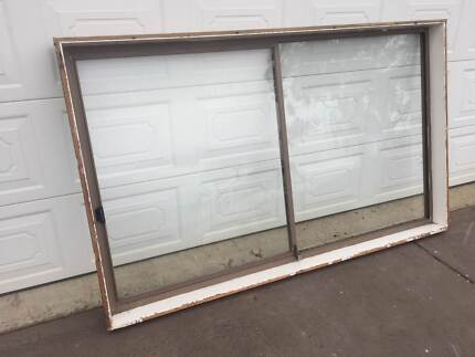 ALUMINIUM WINDOW 124 H X 206 W