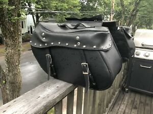 Large detachable motorcycle saddle bags