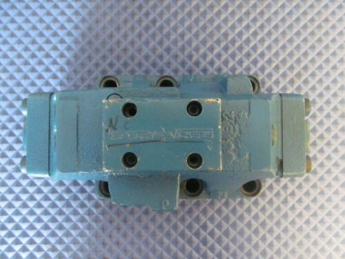 NOS Vickers Directional Control Valve DG3S8 2C 10 Free Shipping