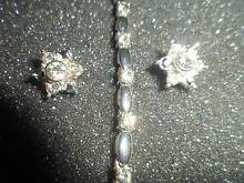 EARRINGS AVON FASHION ,AND NECKLACE SETS SIX DOLLARS EACH Bald Hills Brisbane North East Preview
