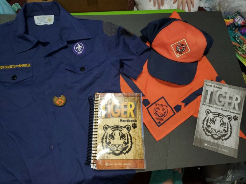 Cub Scouts Tiger set Shirt neckerchief Book Hat Slide