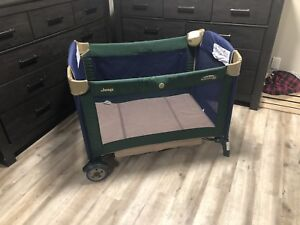 Jeep Pack and Play - Travel Playpen