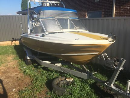 BOAT SELLING CHEAP