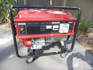 Generator with Honda GX 390 engine. Hamilton Brisbane North East Preview