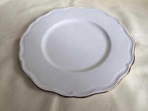 Round serving plate Pakenham Cardinia Area Preview