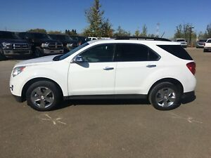 ***LOW Kms. AWD. 2013 Chevy Equinox. Great For Winter***