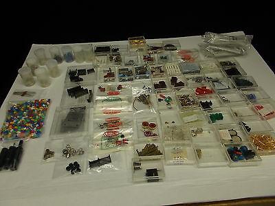 Diverse elektronische Bauteile in > 100  Kunststoffboxen, #V-17