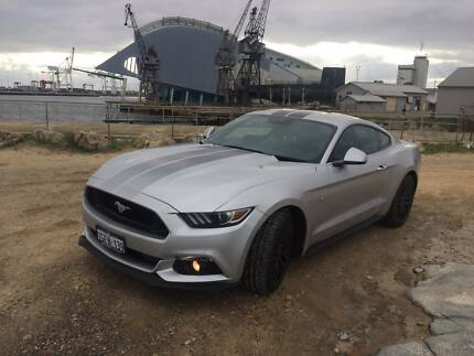 2017 Ford Mustang Coupe V8 Manual Fastback