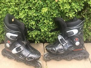 Black roller blades youth size 13