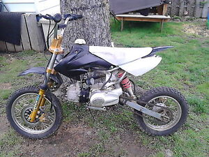 looking for a 50cc to 110cc pit  bike London Ontario image 2