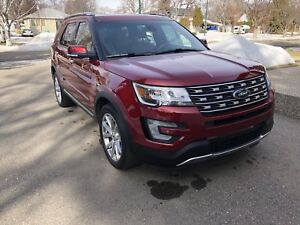 2016 Ford Explorer Limited 23500km