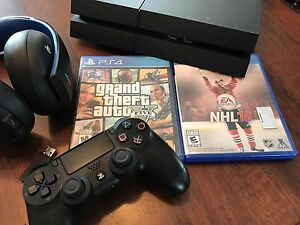 Sony PlayStation 4 Bundle! PS4 Gold Headset!
