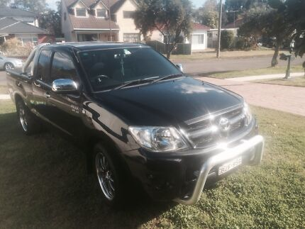 Toyota hilux SR5 2005 auto  Chipping Norton Liverpool Area Preview