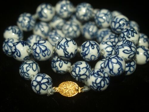 """Vintage Asian Chinese Blue White Porcelain Flower Round Beads Necklace 24"""" 14mm"""